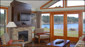 Beach Cottages. Restaurant And Patio Dining Overlooking Bennett Bay And The Gulf  Island National Park ...